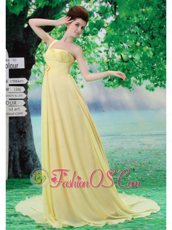 Light Yellow One Shoulder and Appliques For 2013 Prom Dress With Hand Made Flowers