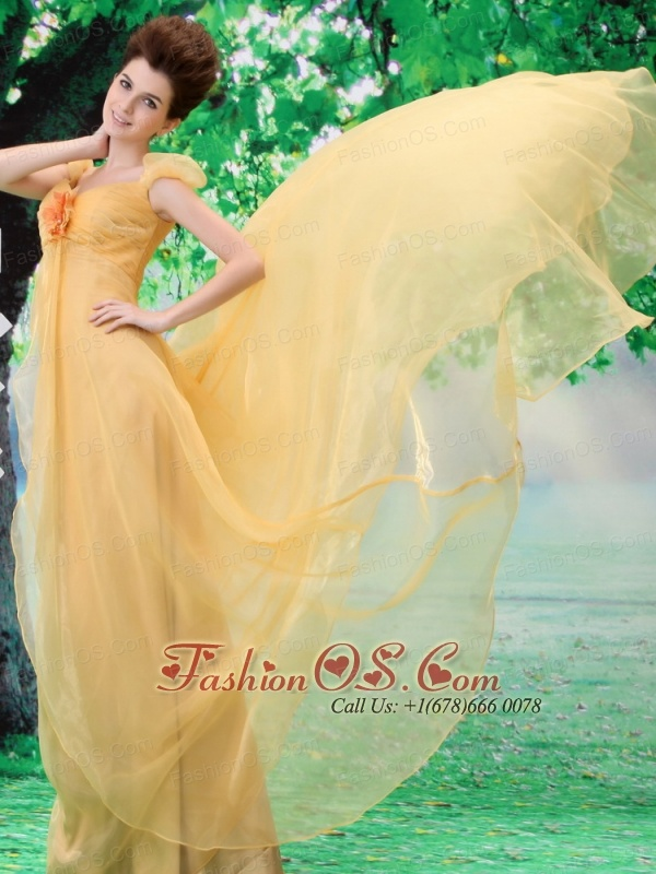 Off Shoulder Neckline Gold A-line Organza Custom Made 2013 Prom Gowns With Court Train