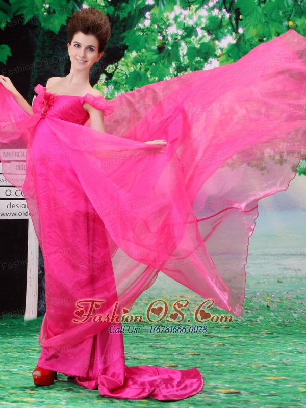 Off Shoulder Neckline Hot Pink A-line Organza Custom Made 2013 Prom Gowns With Court Train