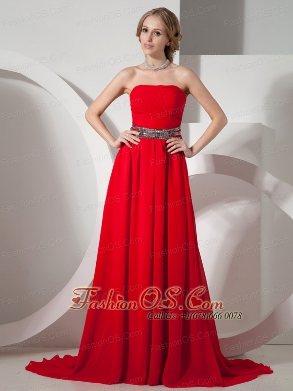 Red Strapless and Belt For Prom Dress With Brush Train