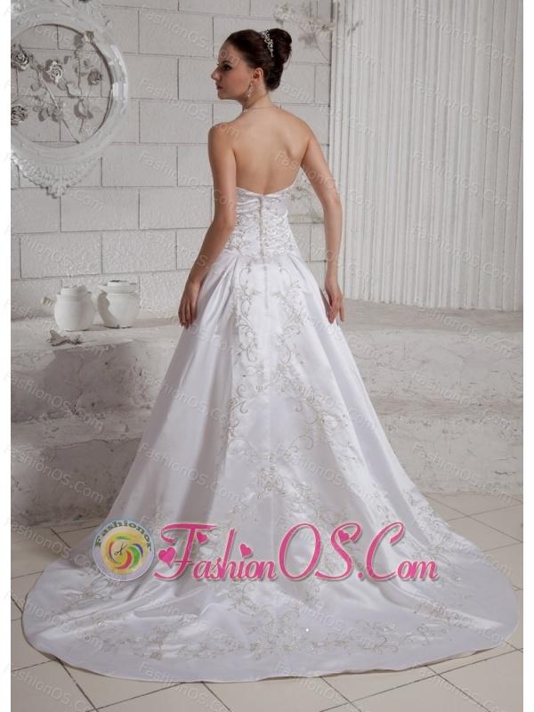 2013 Embroidery A-line Wedding Dress With Chapel Train Taffeta