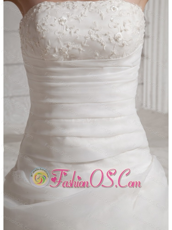 2013 Embroidery and Lace Wedding Dress With Chapel Train For Custom Made