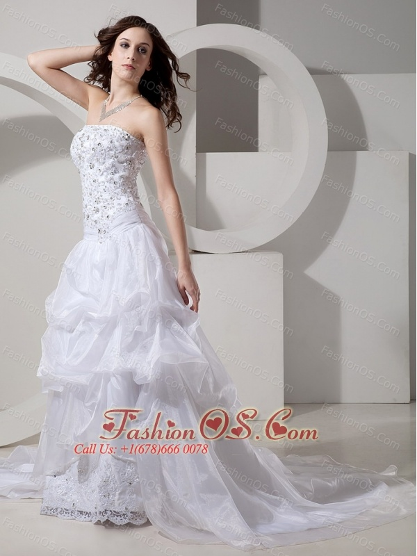 Customize Stylish Appliques Organza Strapless Chapel Train Wedding Dress