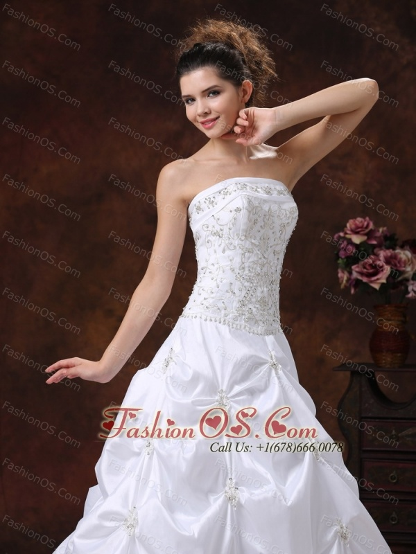 Embroidery Bodice and Appliques For 2013 Wedding Dress With Strapless