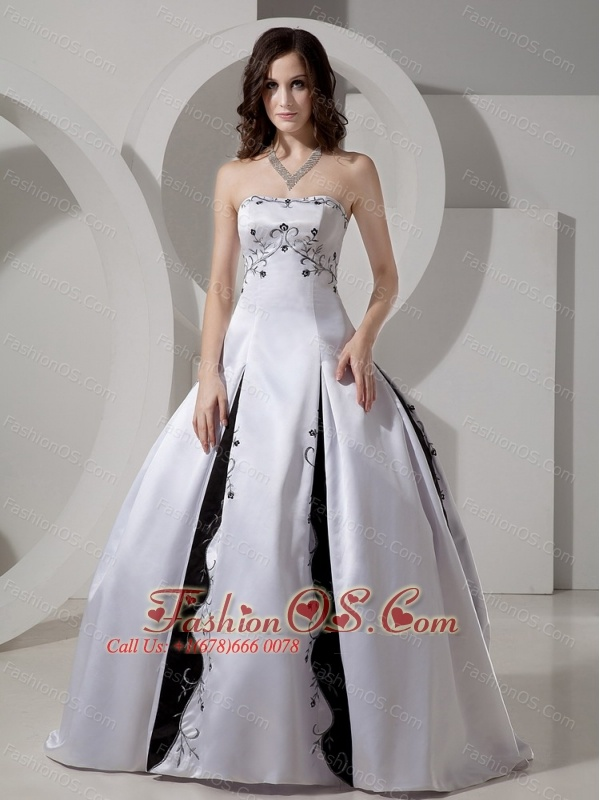Strapless Embroidery Satin Ball Gown Wedding Dress For 2013 Custom Made