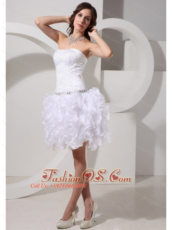 Stylish A-line Beaded Decorate 2013 Wedding Dress With Ruffles Mini-length