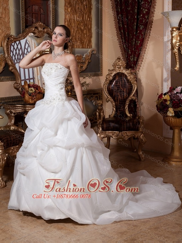 2013 A-line Court Train Lace Wedding Gowns With Organza