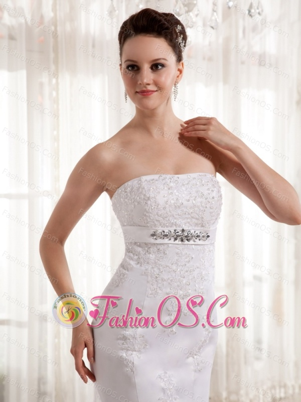 2013 Column Strapless Beading and Lace Wedding Dress With Satin