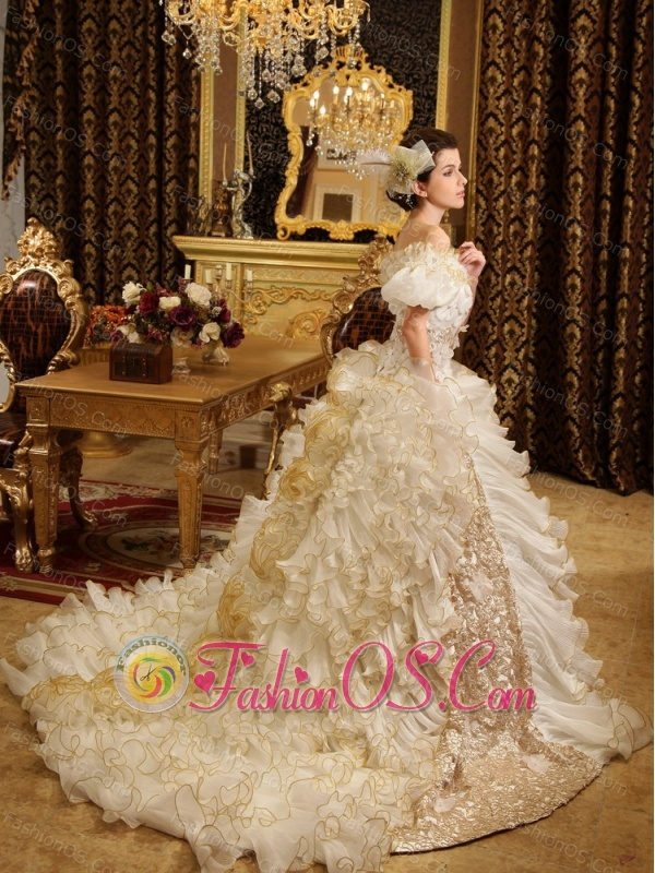 2013 Custom Made Luxurious Off The Shoulder Appliques and Ruffles For Wedding Dress Chapel Train