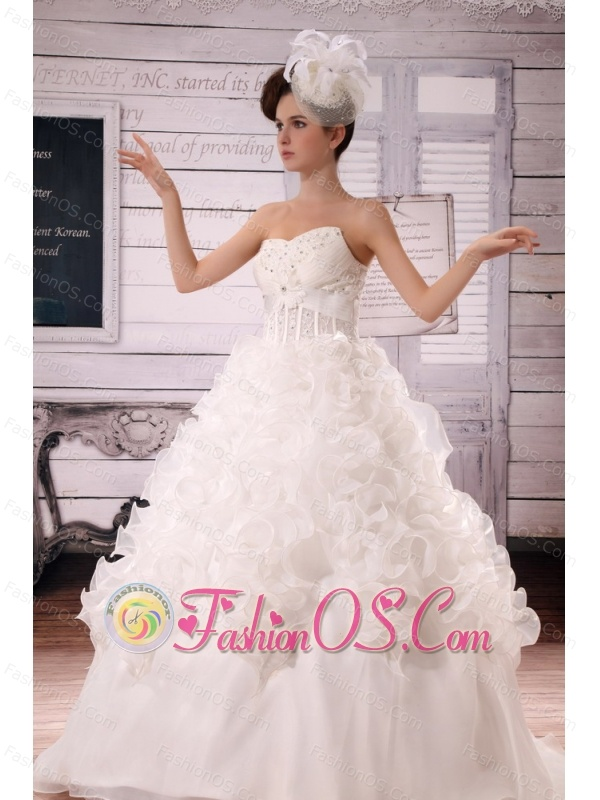 2013 Custom Made Ruffles Appliques With Beading Wedding Dress With Court Train