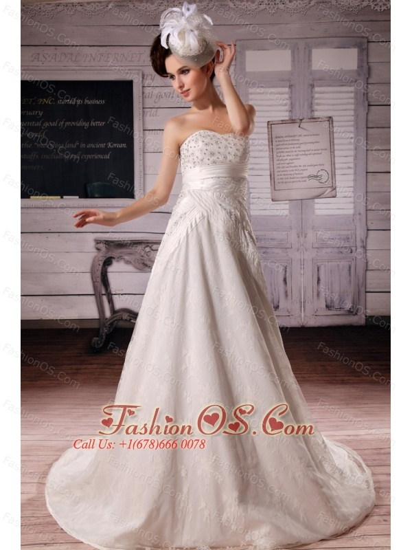 2013 Luxurious Appliques With Beading Wedding Dress With Court Train For Custom Made