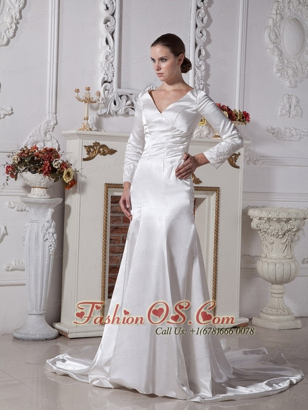 2013 Wholesale A-line V-neck Wedding Gowns With Long Sleeves
