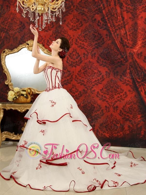 Appliques A-Line / Princess Chapel Train Sweetheart Organza 2013 Wedding Dress