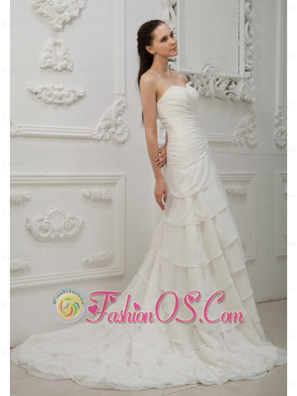 Appliques With Beading Decorate Bodice Ruffled Layers Court Train Chiffon Sweetheart Neckline 2013 Wedding Dress