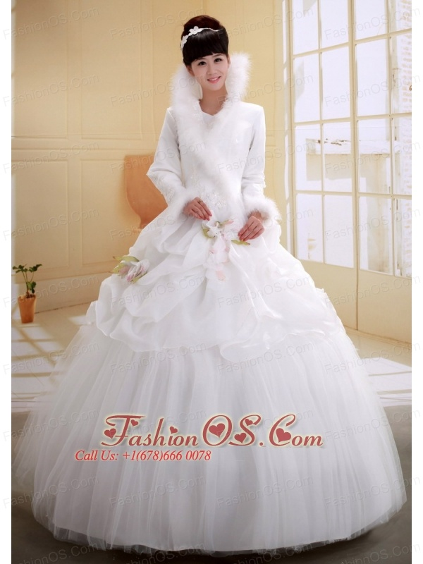 Ball Gown High-neck Neckline Long Sleeves Wedding Dress With Imitated Feather Flowers Decorate Organza and Tulle