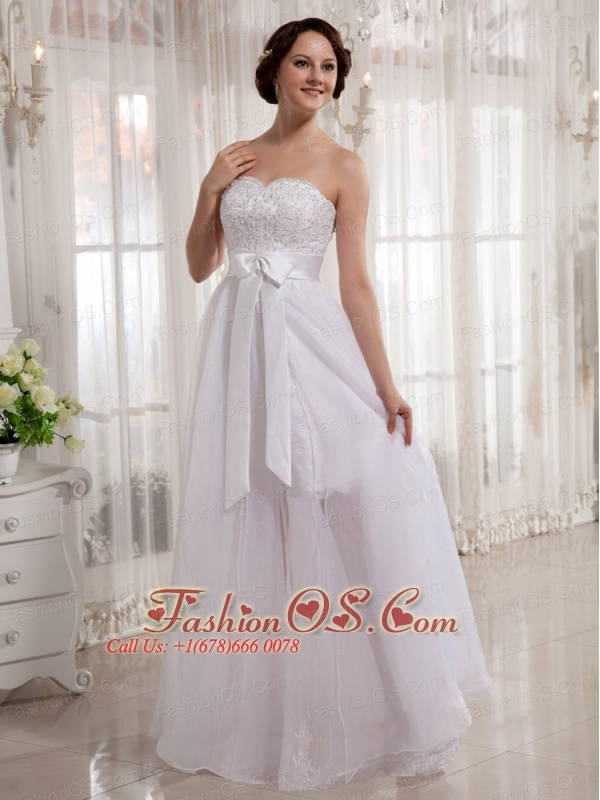 Beautiful Organza A-line Sweetheart Sash Wedding Dress With Lace