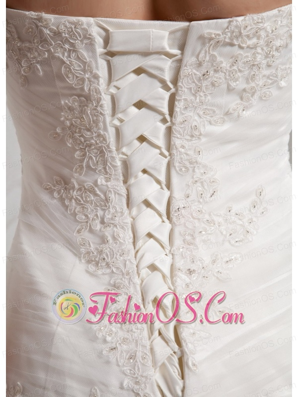 Custom Made A-line Lace Decorate Bust Wedding Gowns With Tulle