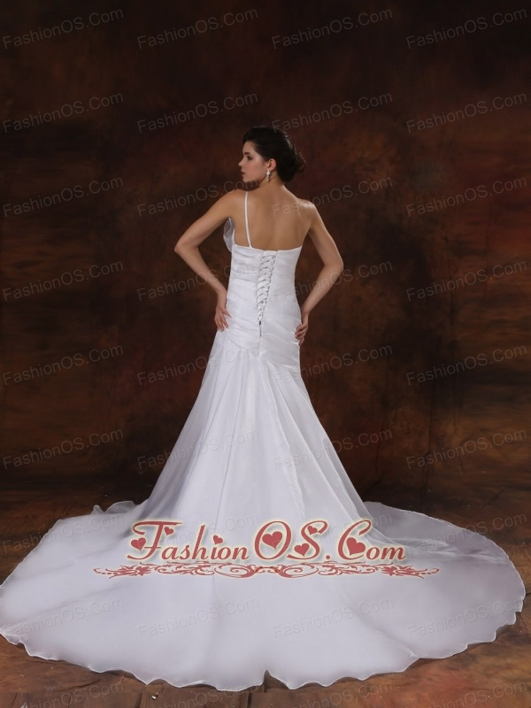 Customize Mermaid One Shoulder Wedding Dress For Wedding Party With Beaded Decorate
