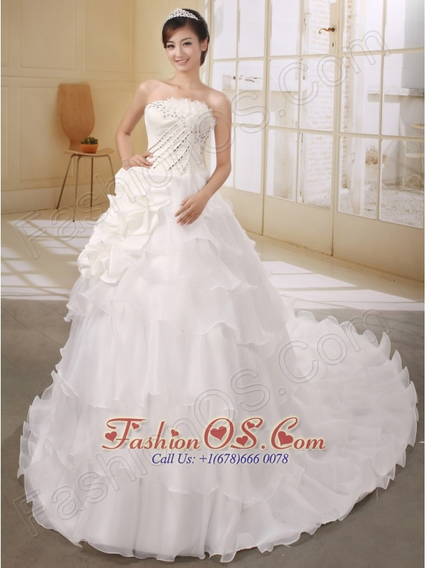 Gorgeous Organza Wedding Dress With Rhinestones and Flowers Decorate Court Train Popular