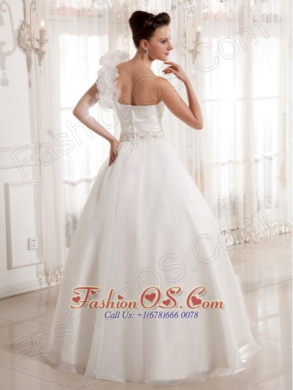 Lovely One Shoulder Ruched Bodice 2013 Wedding Dress With Beading