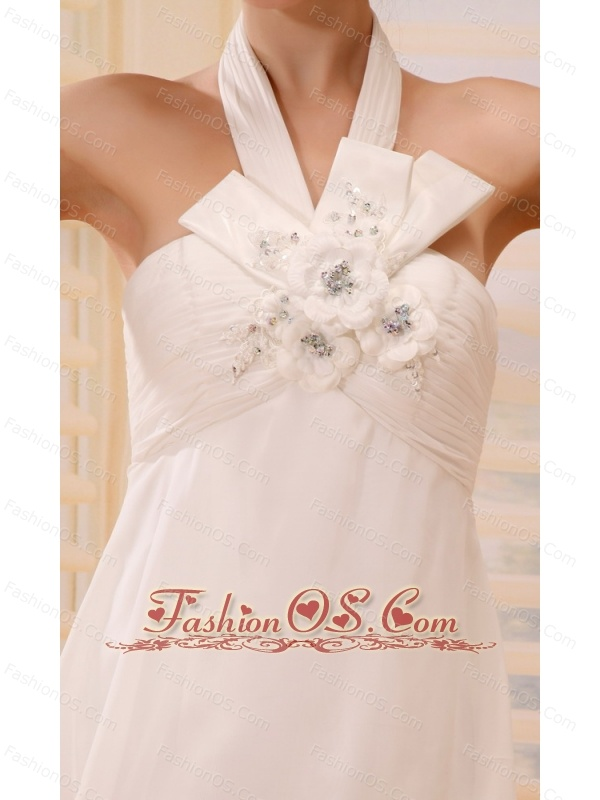Pretty Hand Made Flowers and Beading For Halter Wedding Dress With Chapel Train