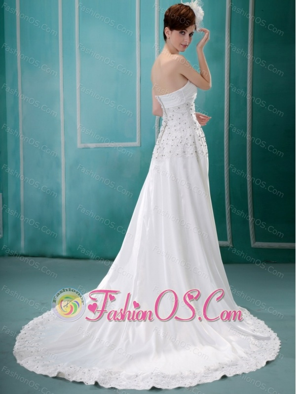 Simple Strapless Beaded Decorate 2013 Wedding Dress With Chiffon In Wedding Party