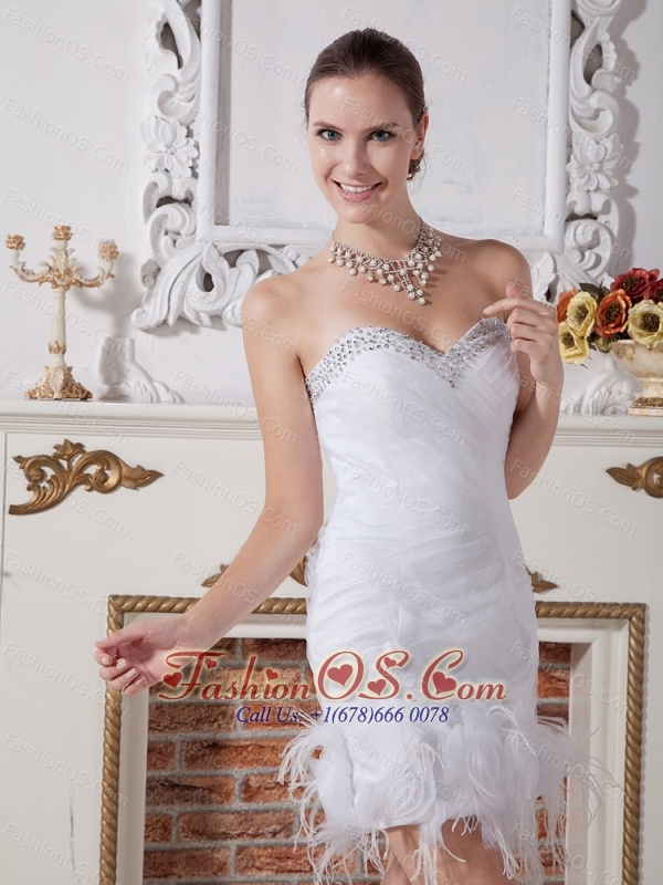 Tulle Sweetheart Neckline Short Wedding Dress With Beaded and Feather Decorate