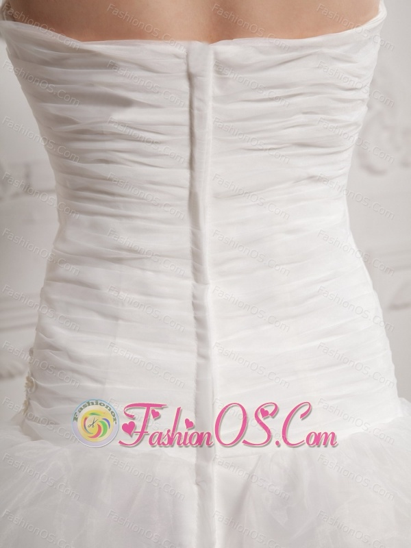 Unique A-line Strapless 2013 Wedding Dress With Ruch and Pick-ups
