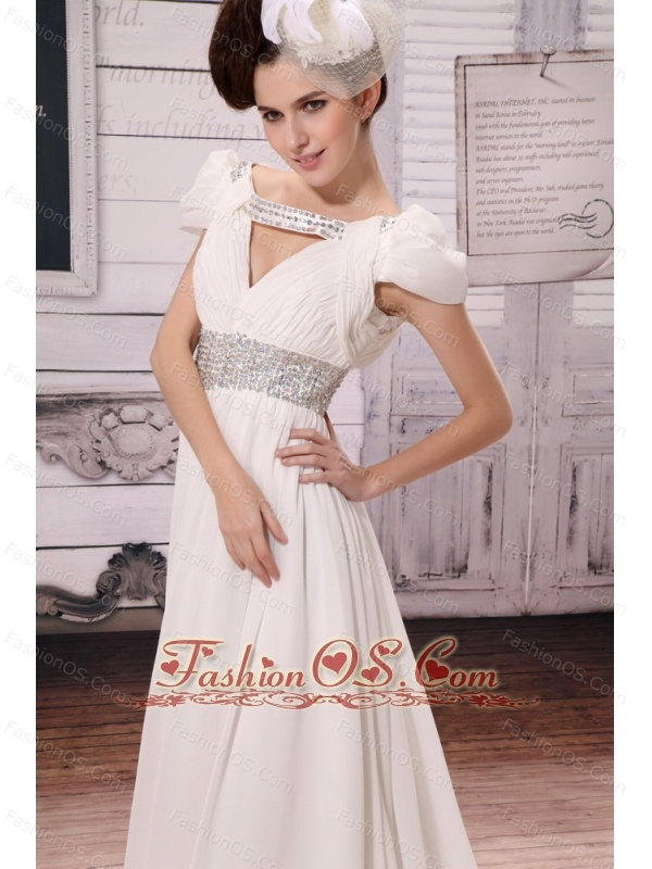 V-neck White 2013 Wedding Dress With Beading and Ruch In Celebrity