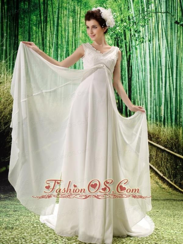 White Chiffon V-neck Brush Train V-neck Wedding  Dress