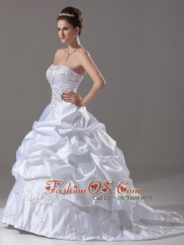 Beading and Embroidery Strapless Brush / Sweep Taffeta 2013 Wedding Dress Ball Gown