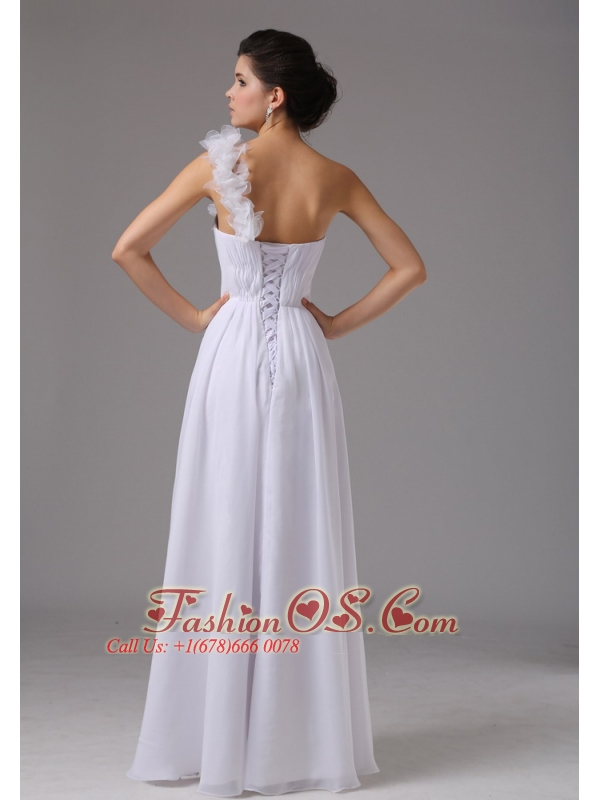 Hand Made Flowers Decorate One Shoulder and Waist For Simple Wedding Dress