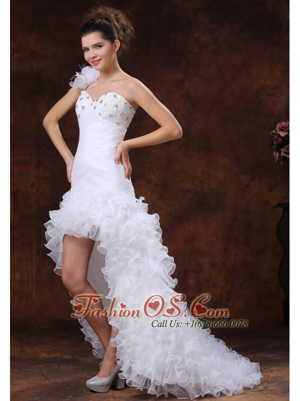 Hith-low Beaded Decorate Bust For 2013 Wedding Dress With Ruched Bodice and Ruffles