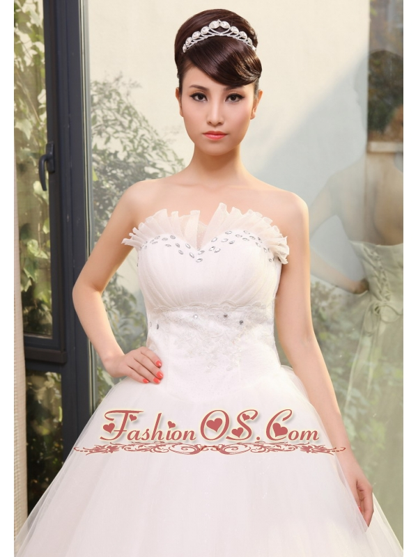 Lace and Rhinestones Decorate Up Bodice A-line Sweetheart Neckline Tulle Floor-length 2013 Wedding Dress