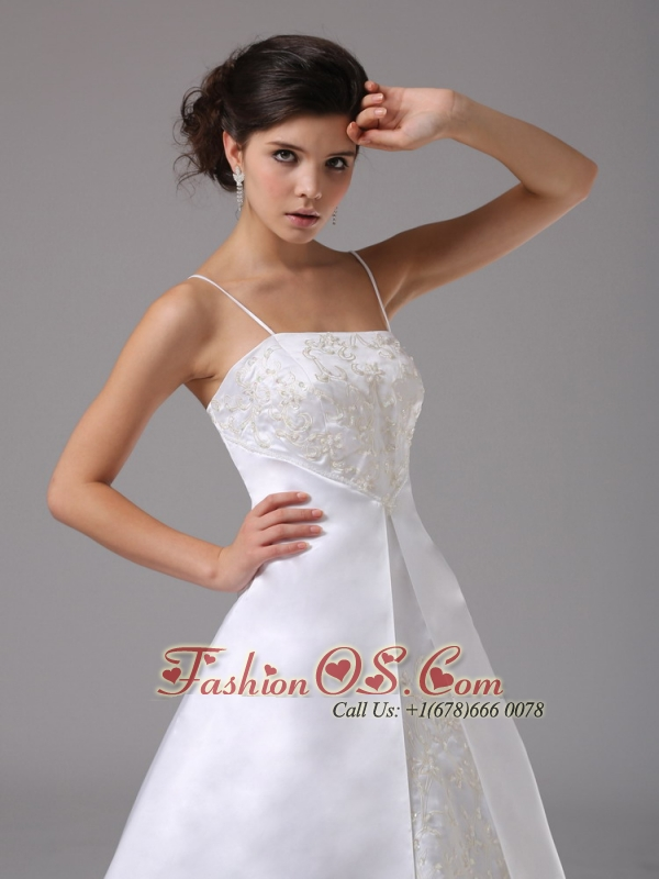 Spaghetti Straps For Wedding Dress With Lace Satin and Court Train