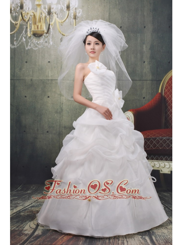 Strapless A-line Applqiues Decorate Pick-ups Stylish Wedding Dress With Bows Organza In 2013