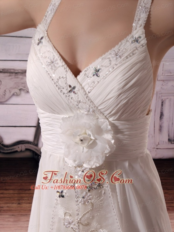 2013 Straps Hand Made Flowers and Beaded Embroidery Wedding Dress Chapel Train Criss Cross