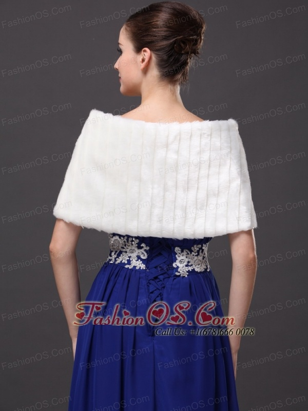 Beautiful Faux Fur Wedding V-Neck White Party / Prom / Cocktail Wraps