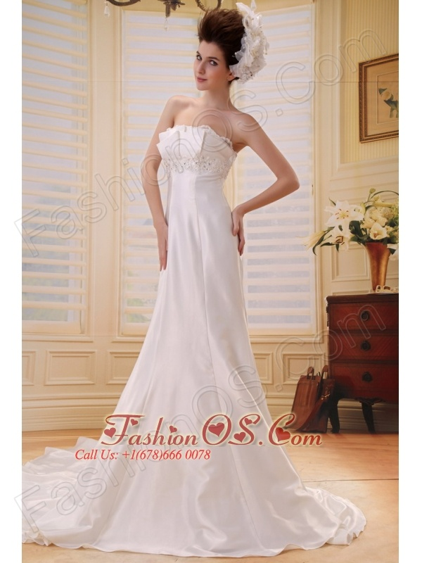 Custom Made Cheap Strapless 2013 Wedding Dress With Appliques