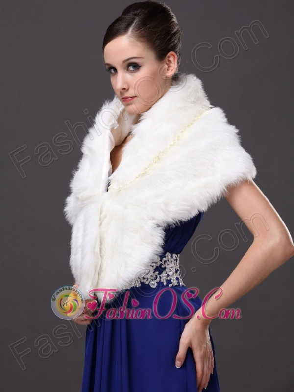 Faux Fur White Fashionable V-Neck Wedding Party And Prom Shawls