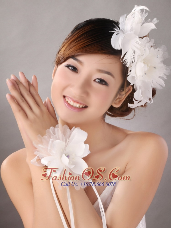 Popular White Feather Organza Flowers Fascinators and Wrist Corsage