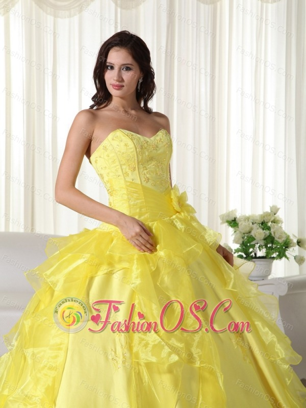 Yellow Ball Gown Sweetheart Floor-length Taffeta Embroidery Quinceanera Dress