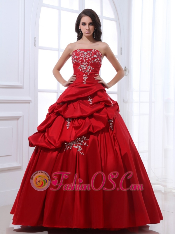 Red Pick-Ups Skirt Quinceanera Dresses with Silver Embroidery Beading