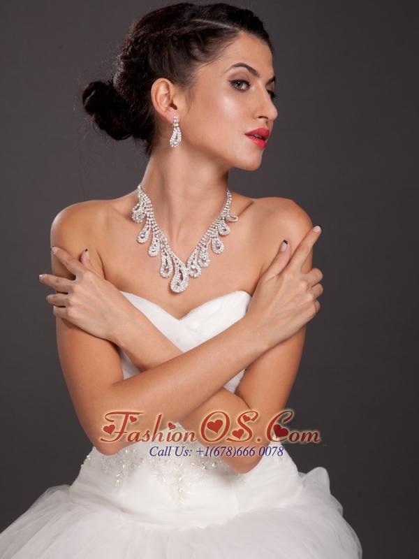 Elegant Leaf Crystal Necklace And Earring Set