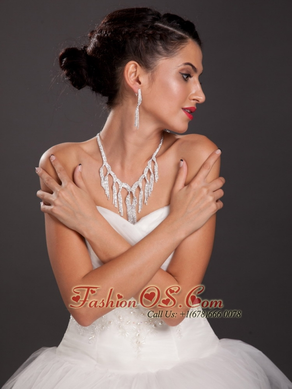 Luxurious Imitation Pearl Rhinestone Ladies' Jewelry Set Including Necklace And Earrings