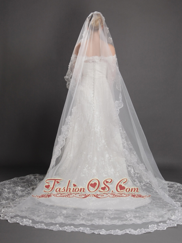 Royal Lace Appliques Tulle Bridal Veils