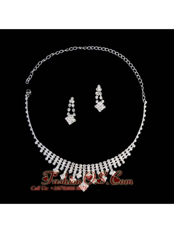 Shimmering Rhinestone Bridal Necklace and Earrings Jewelry Set