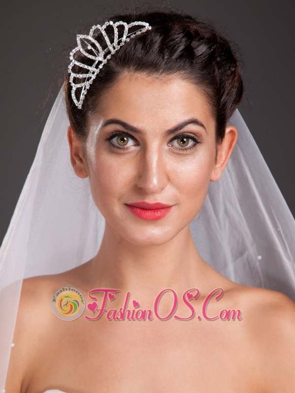 Vintage Style Alloy Tiara With Crystal Decorates