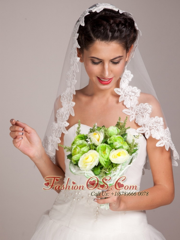 Beautiful Light Yellow And Green Round Wedding Bridal Bouquet