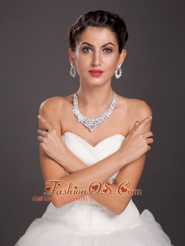 Exquisite Crystal Alloy Jewelry Set Including Necklace And Earrings